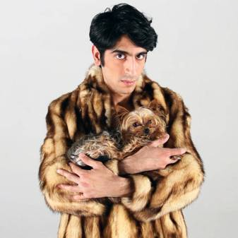 Harry Merry fan, talkshow host, rapper, multi media entertainer, comedian: Sina Khani