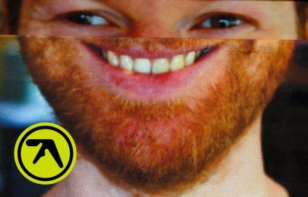 ^ a grin L'Aphex Twin