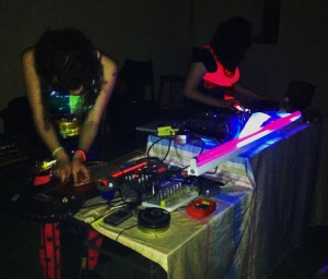 This audio adventure is made possible by the duo named 'Aureola Electrika' which consist of Aureola (Analia Bazán) and  Electrika (Maia Koenig)
